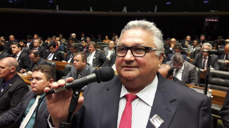 Prefeito Dr Alcione participa da mobilização dos Prefeito em Brasilia