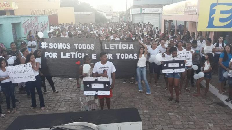 grande manifestação em prol da paz em Simplício Mendes.