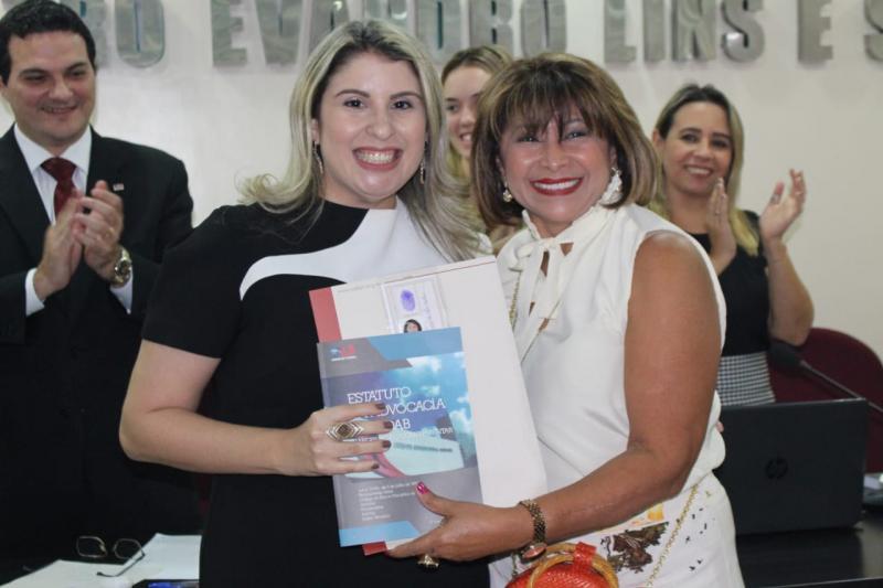 Advogada Dra. Vera Lucia inicia nova etapa de sua vida em sessão solene