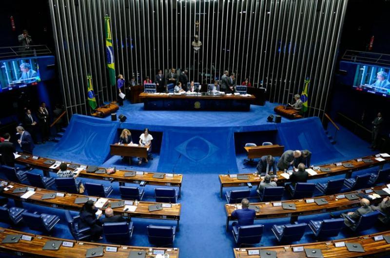Senado aprova voto distrital misto para deputados e vereadores