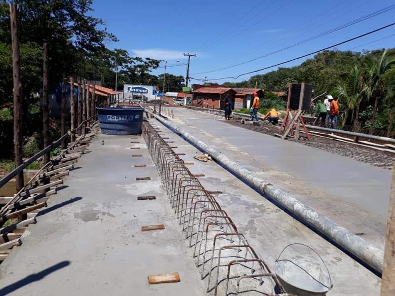 Prefeitura de Monsenhor Gil acompanha processo de duplicação de ponte