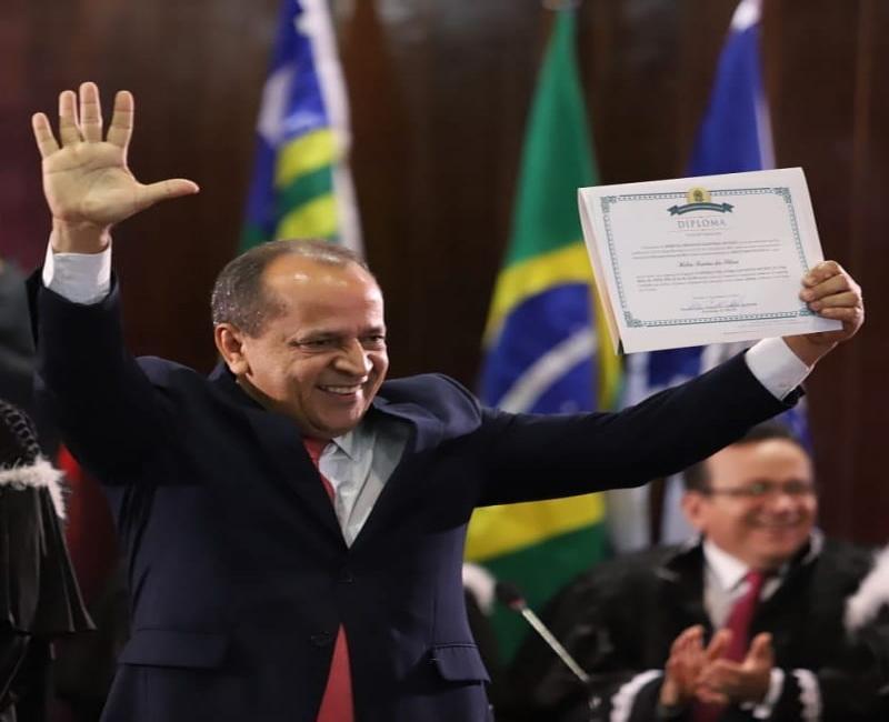 Hélio Isaias assumirá amanhã o seu quinto mandato na ALEPI