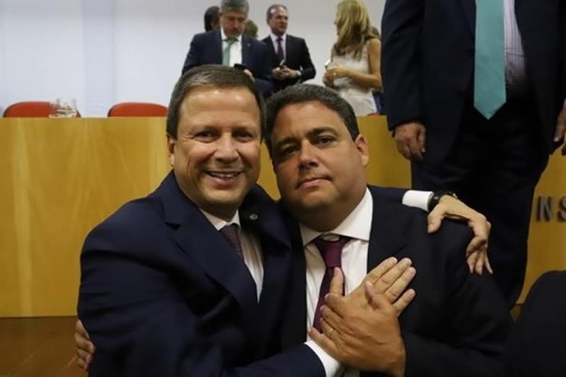Felipe Santa Cruz é eleito presidente da OAB e diz que cobrará correção da