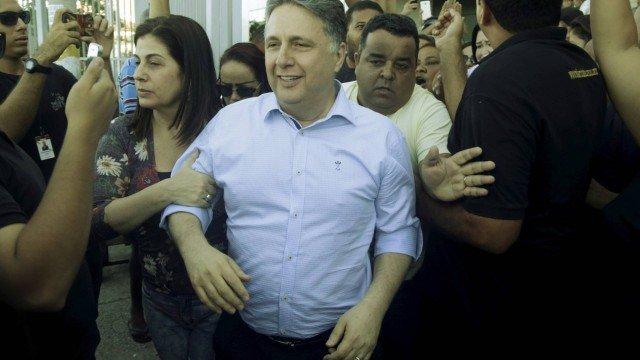 PF prende ex-governadores Garotinho e Rosinha no Rio De Janeiro