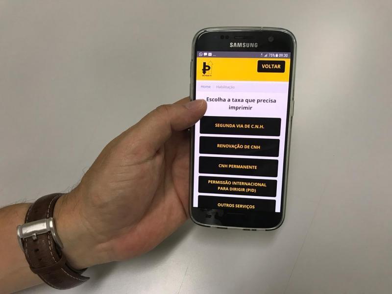 Detran-PI lança aplicativo para consultas de taxas e serviços