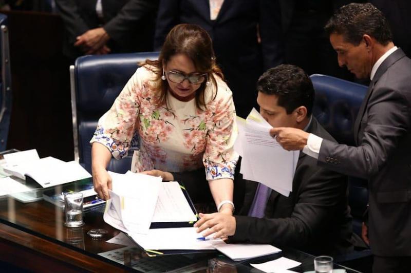 Contra voto aberto: Kátia Abreu briga e interrompe eleição no Senado