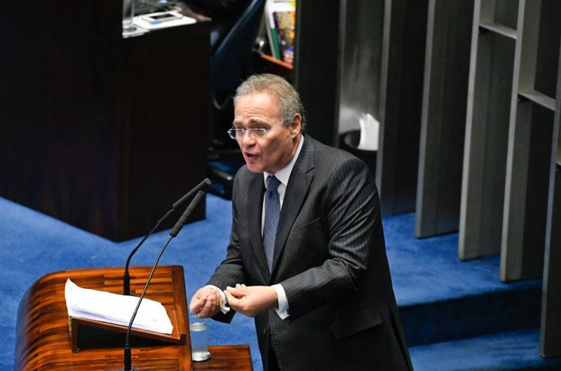 Renan deixa disputa pela Presidência do Senado