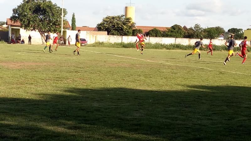 Fluminense e Veteranos se enfrentaram pelo campeonato de São Gonçalo-PÍ.