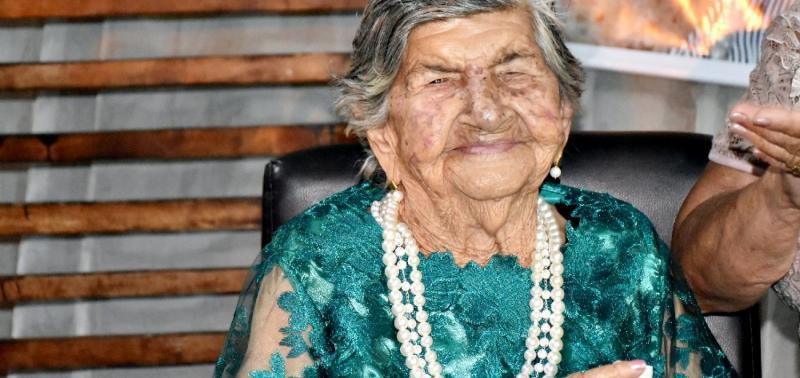 Dona Alencar comemora 100 anos com missa e festa em Alegrete