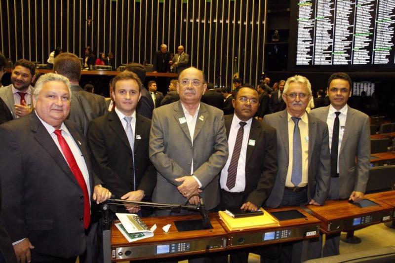 Prefeito Junior Bill participa de mobilização em Brasília