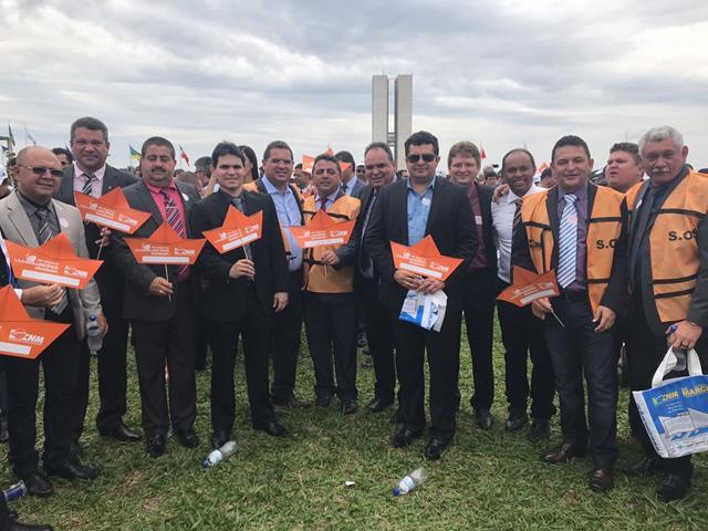 Prefeito Venício do Ó participa de mobilização em Brasília
