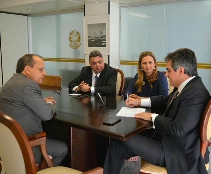 Prefeita Carmelita se reune com senador Ciro Nogueira e reivindica melhorias para S.R.Nonato