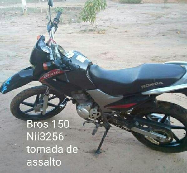 Moto roubada durante a fuga (imagem: divulgação)