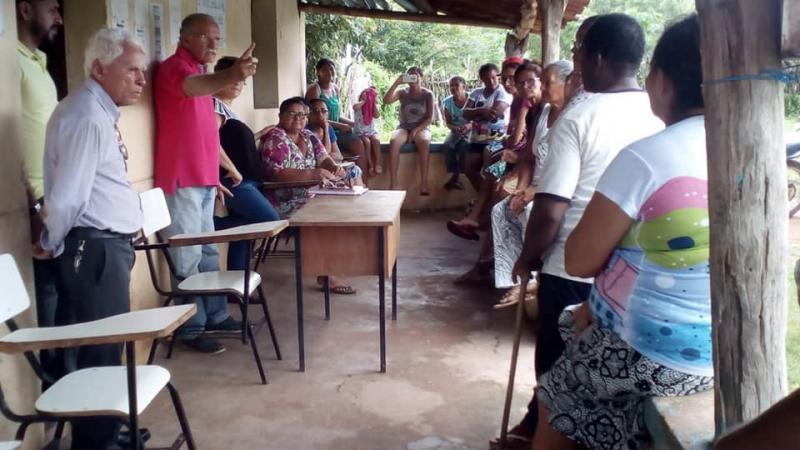 Secretário discute sobre implantação de projetos para o homem do campo