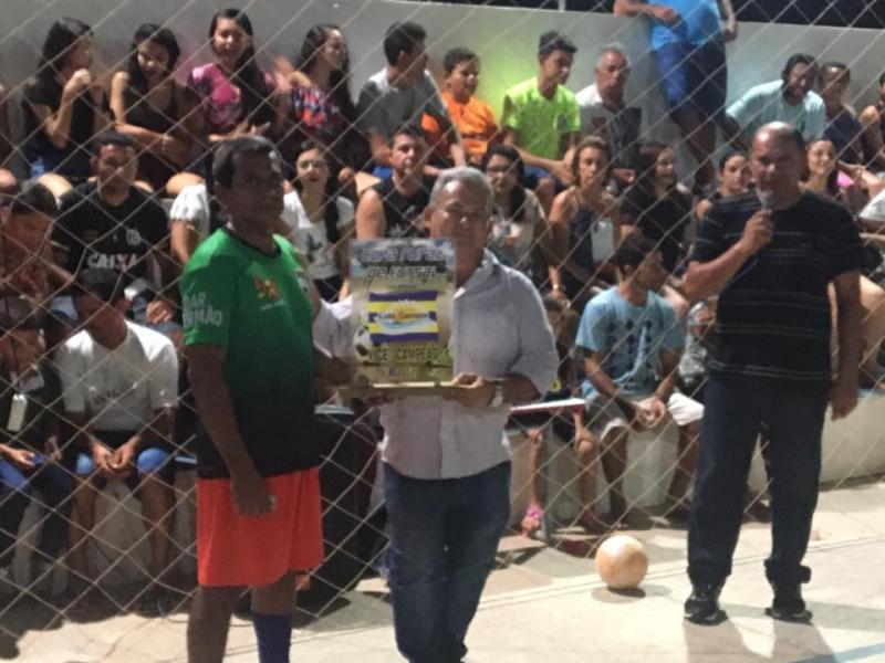 Prefeito Kim prestigia final da Copa Rural de Futsal