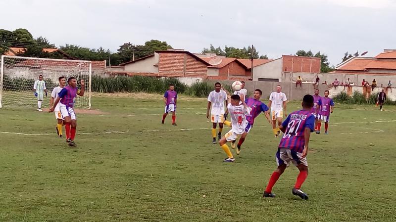 Prefeitura entrega uniformes no campeonato São-Gonçalense de futebol