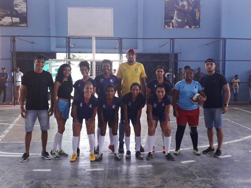 Garotas futebol clube de São Gonçalo do Gurguéia sagrou campeã da copa CUEC