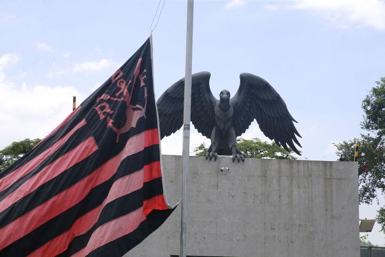 Flamengo continuará pagando salários das vítimas do incêndio