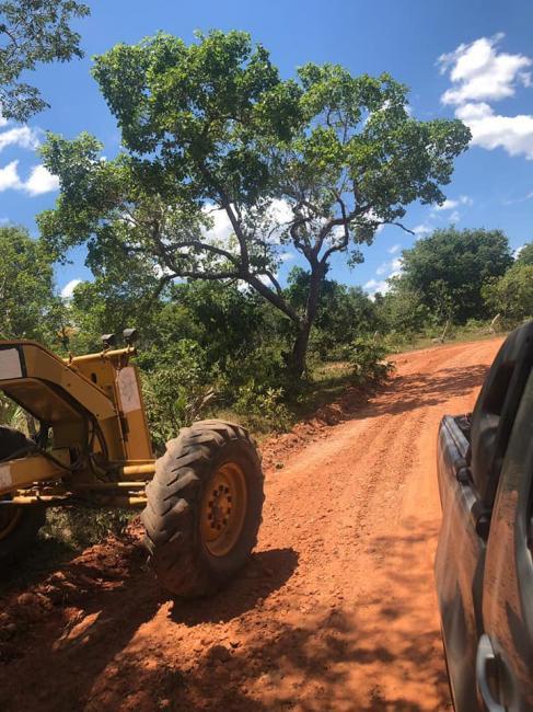 Prefeitura de Corrente recupera estradas vicinais