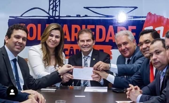 Em Brasília, deputada Dra. Marina assina ficha de filiação ao Solidariedade
