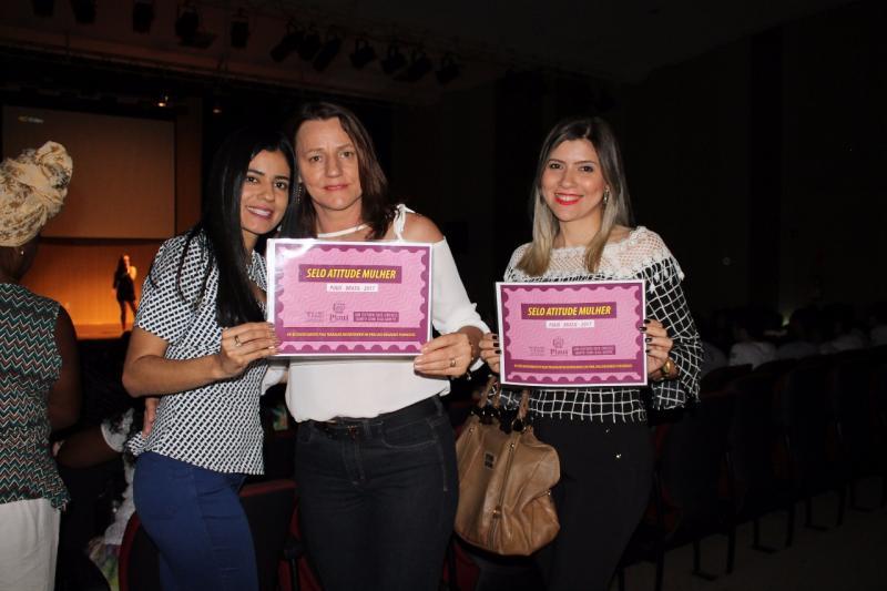 Prefeitura de Bom Jesus recebe prêmio estadual por êxito de políticas em defesa da mulher