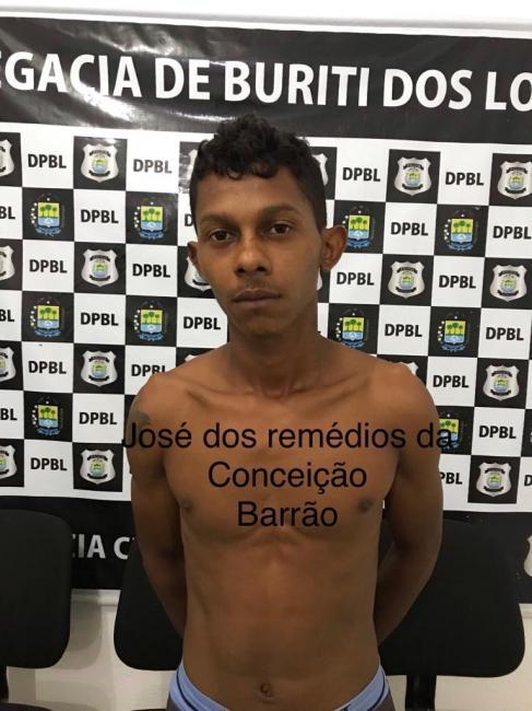Dupla armada de facão assalta três pessoas no centro de Buriti dos Lopes