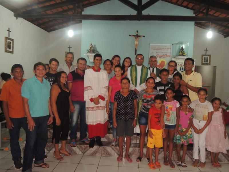 Pe. Luiz Preside  Santa Missa com fiéis amigos do seminário