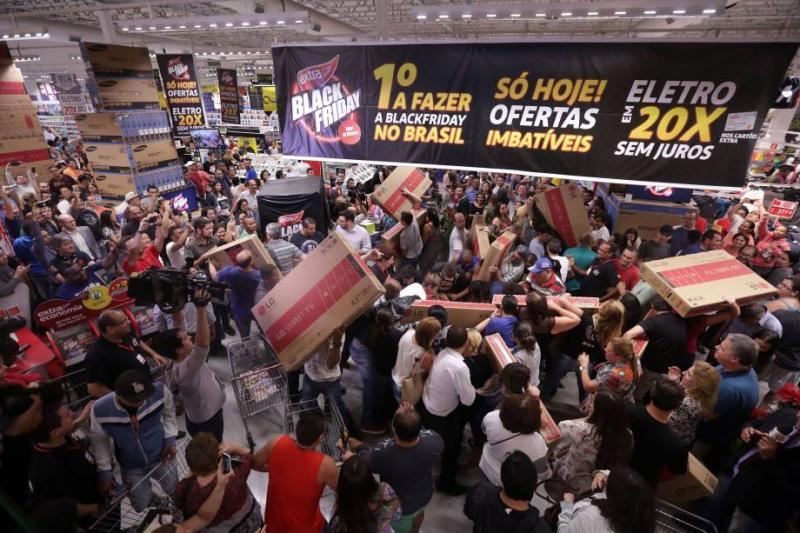 Lojas de Teresina vão funcionar 24h durante Black Friday