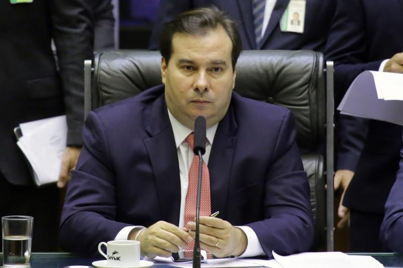 Maia avalia se Câmara analisará em conjunto propostas de Moro