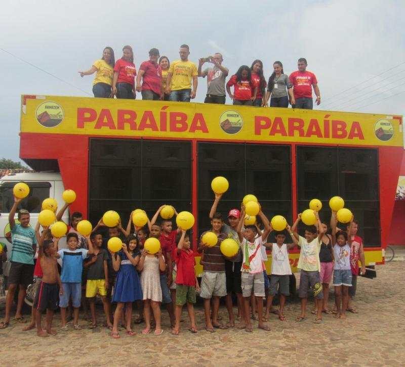Programação de reinauguração do Armazém Paraíba inciou com grande carreata