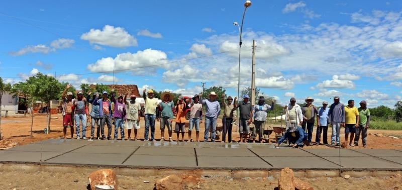 Prefeitura de Padre Marcos inicia a construção de praça em comunidade rural