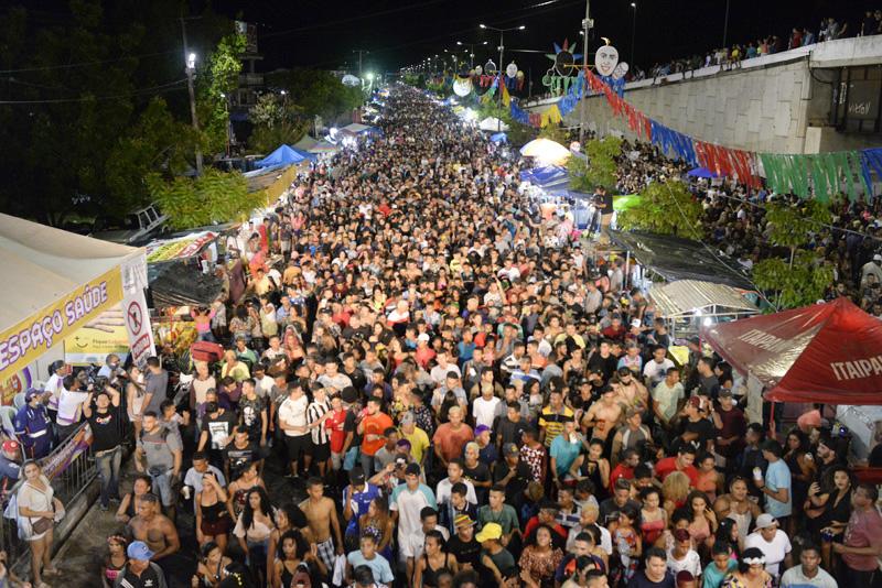Alegria e segurança marcam primeira noite do Zé Pereira de Timon
