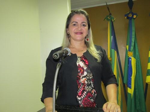 Vereadora Luciana Martins sugere manutenção de equipe de limpeza para trabalhar após os eventos