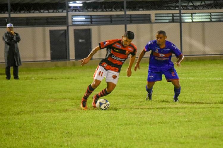 Flamengo-PI erra bastante, mas vence o clássico diante do Piauí