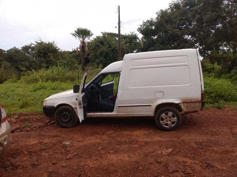 PM encontra carros usados por bandidos em ataque à viaturas