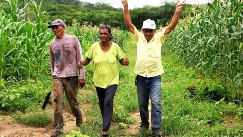 Prefeita comemora aprovação de projeto que autoriza quitação de dívidas de agricultores de Guadalupe