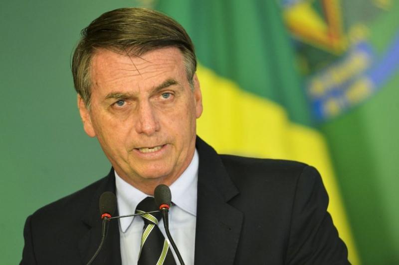 Governo vai criar comissão para excluir do ENEM questões 'ideológicas'