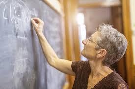 Governo propõe idade mínima de 60 anos para aposentadoria de professores