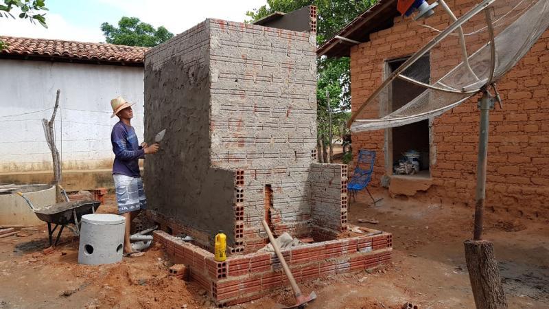 Prefeitura de Água Branca inicia construção de módulos sanitários