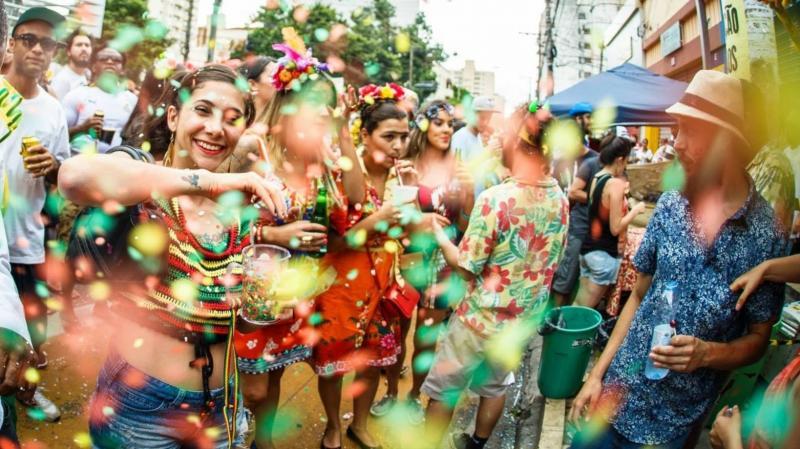 Carnaval, alimentação e hidratação