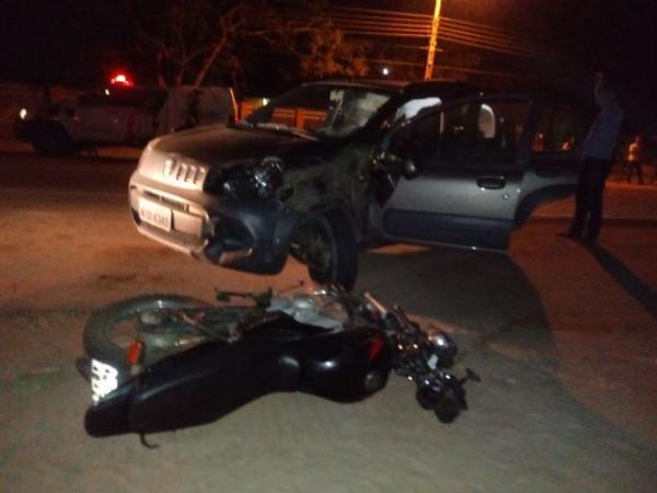 Colisão entre carro e moto deixa uma pessoa morta na BR 343