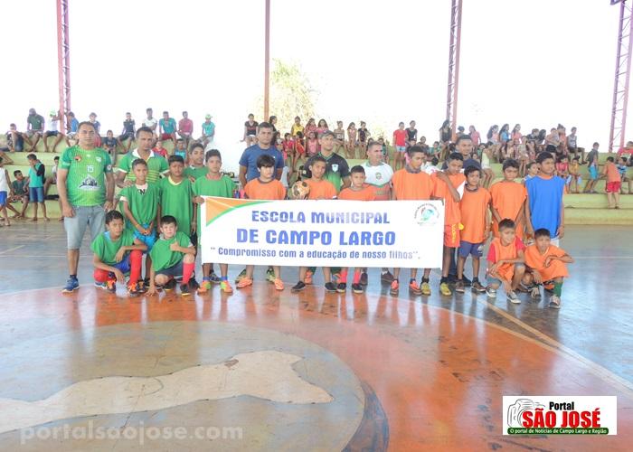 Escola Municipal de Campo Largo realiza interclasse de futsal no ginásio Jesuíno Sampaio