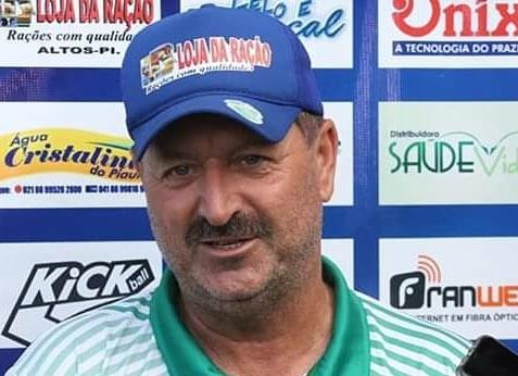 Após derrota para o River, técnico Leandro Campos é demitido do Altos