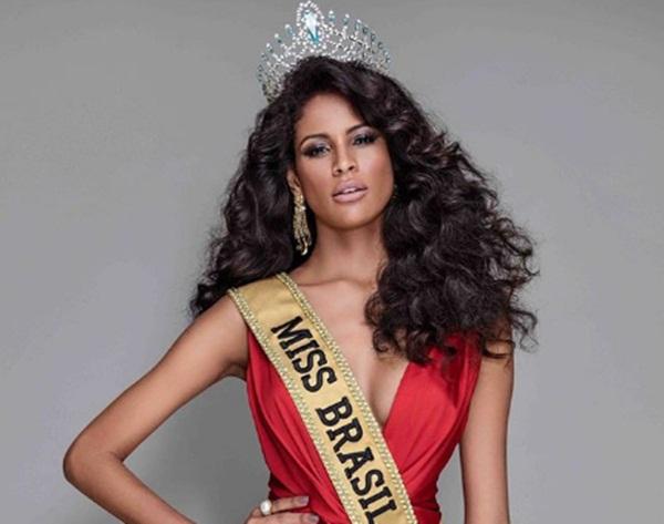 Monalysa Alcântara representa o Brasil hoje no Miss Universo 2017