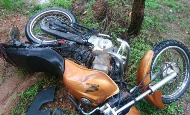 Acidente de moto deixa jovem morto na BR-135
