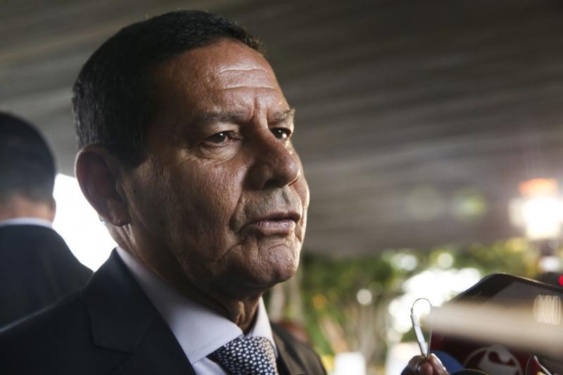 Mourão diz que guerra civil na Venezuela é 'cenário possível'