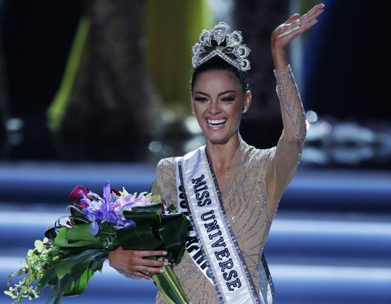Sul-africana vence Miss Universo; brasileira fica no Top 10