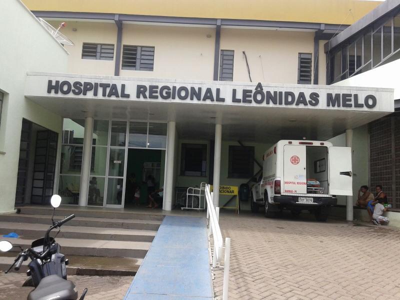 Homem é morto e tem corpo jogado na porta de hospital do Piauí