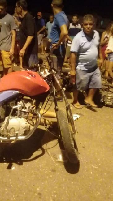 Colisão entre motocicletas deixa duas pessoas feridas no Piauí