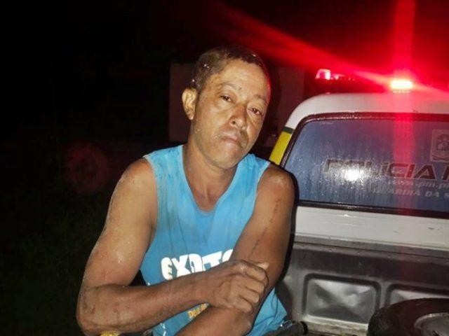 Em Caraúbas, Policia Militar prende homem acusado de matar rival com golpe
